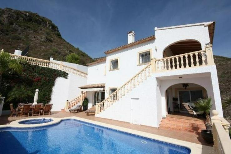 Bild 6: Luxuriöse 5 SZ Villa ideal zum Wohnen und Entertainen mit tollem separatem Gästeapartmen...