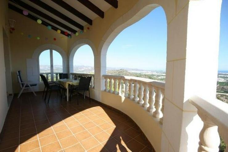 Bild 3: Gepflegte 3 Schlafzimmer Villa, in herrlicher Aussichtslage bei Oliva