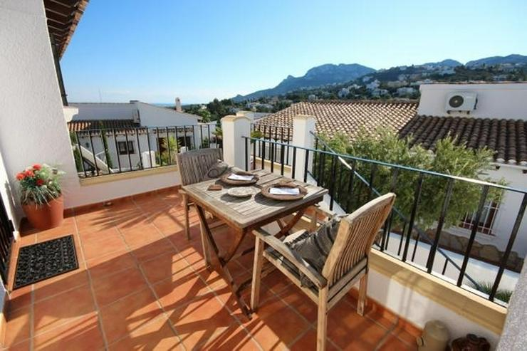 Bild 6: Anspruchsvolle 4 SZ Villa mit 2 Wohneinheiten, BBQ, ZH, Garage, Terrassen, schöner Südla...