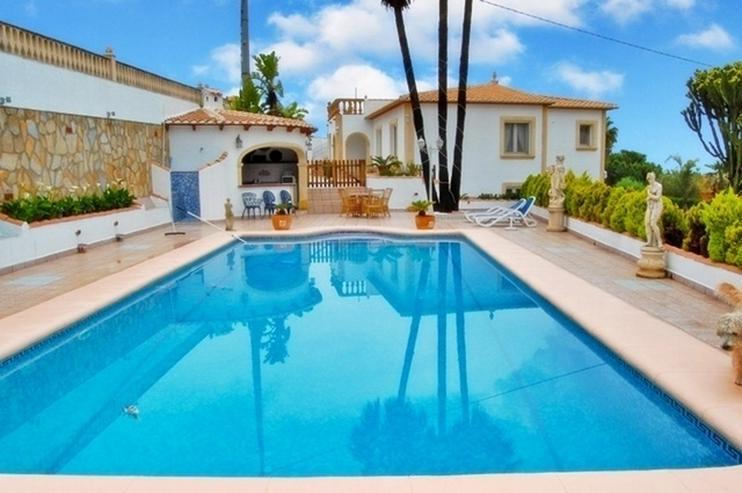 Bild 6: Grosszügige, stadtnahe Villa mit 4 Schlafzimmern und Pool in Denia