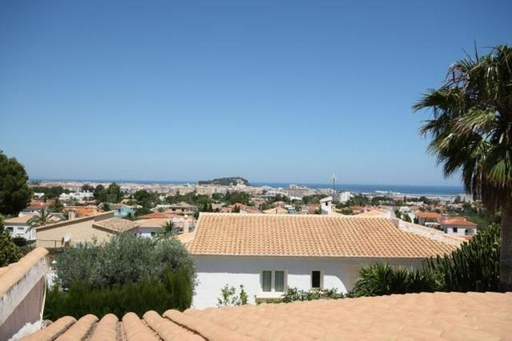 Bild 3: Grosszügige, stadtnahe Villa mit 4 Schlafzimmern und Pool in Denia