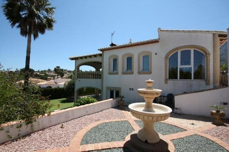 Bild 5: Grosszügige, stadtnahe Villa mit 4 Schlafzimmern und Pool in Denia
