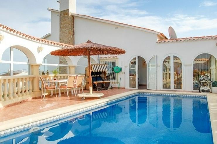 Villa in Denia mit Meerblick - Bild 1