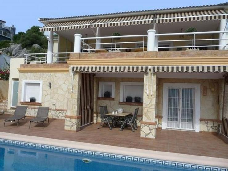 Schöne, sehr gepflegte Villa mit Pool und atemberaubenden Panoramablick in Sanet y Negral... - Haus kaufen - Bild 1