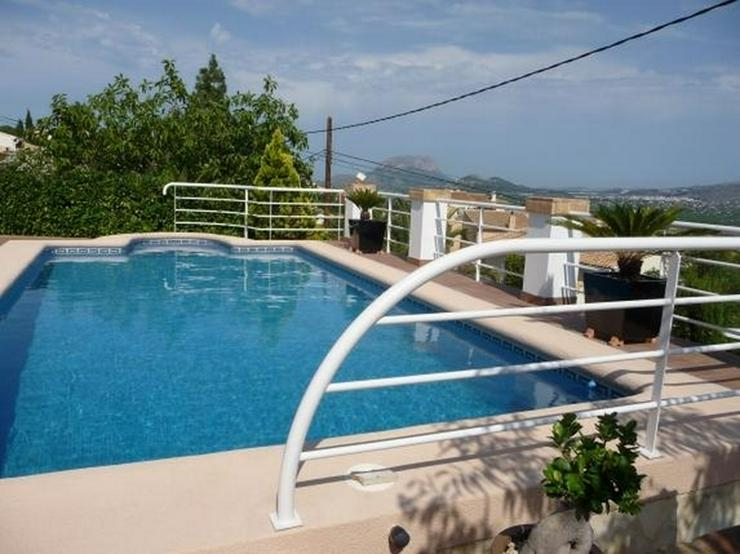 Bild 2: Schöne, sehr gepflegte Villa mit Pool und atemberaubenden Panoramablick in Sanet y Negral...