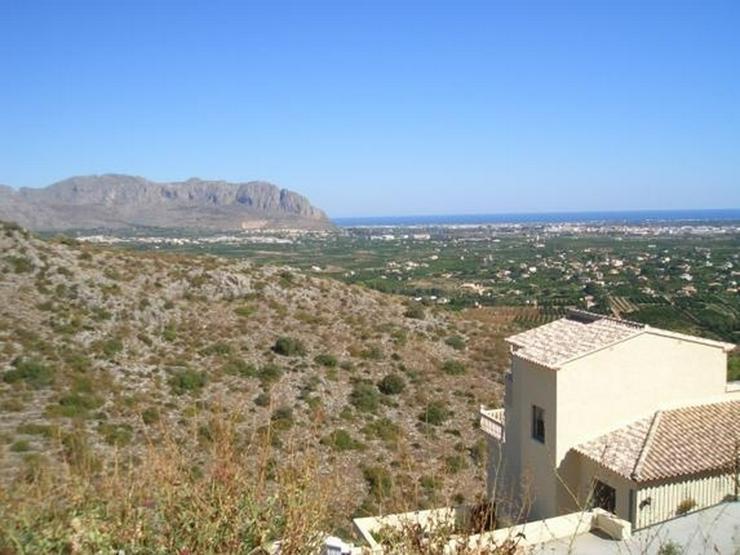 Bild 5: Schönes Baugrundstück mit herrlicher Fernsicht auf das Meer am Monte Solana