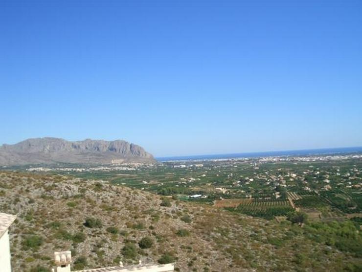 Bild 2: Schönes Baugrundstück mit herrlicher Fernsicht auf das Meer am Monte Solana