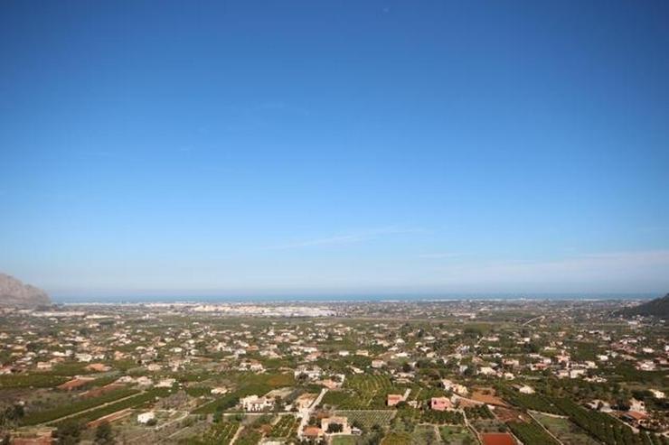 Optimales Grundstück mit Panoramablick unweit vom Dorfkern - Grundstück kaufen - Bild 1