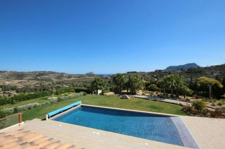 Bild 2: Luxusfinca in privater und ruhiger Lage mit schönem Blick auf die umliegende Natur und da...