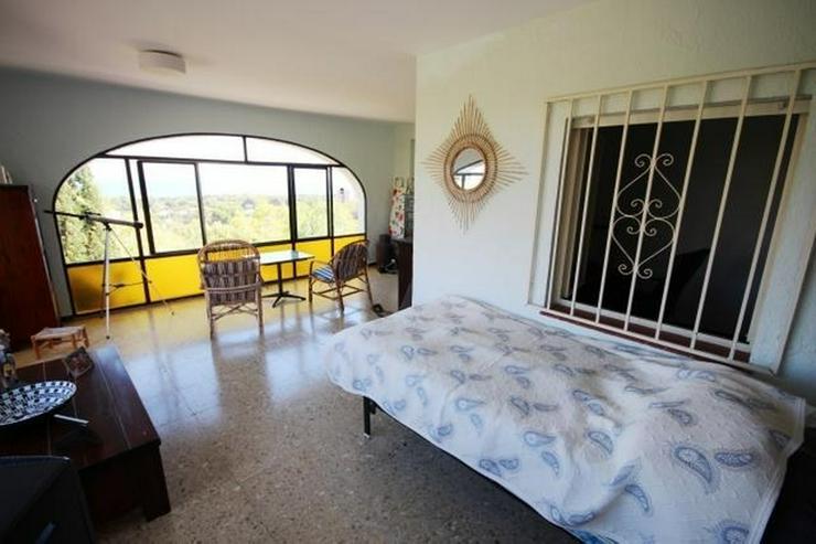 Bild 6: Einfamilienhaus in Las Rotas mit herrlichem Meerblick und 1.700 m² Grundstück zum renovi...