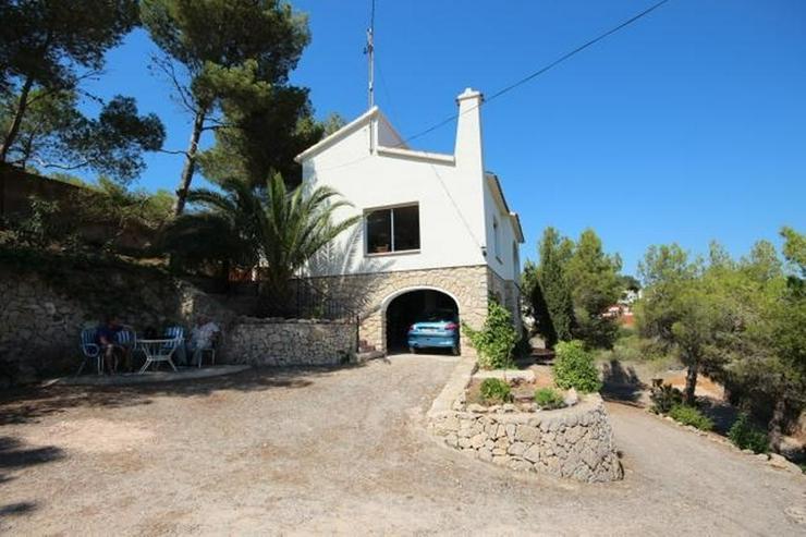 Bild 3: Einfamilienhaus in Las Rotas mit herrlichem Meerblick und 1.700 m² Grundstück zum renovi...
