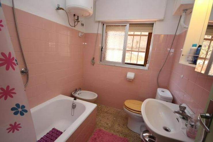 Bild 2: Einfamilienhaus in Las Rotas mit herrlichem Meerblick und 1.700 m² Grundstück zum renovi...