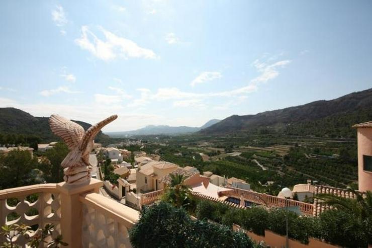Bild 3: Gepflegte 2 Schlafzimmer Villa mit Pool in herrlicher Aussichtslage in Adsubia