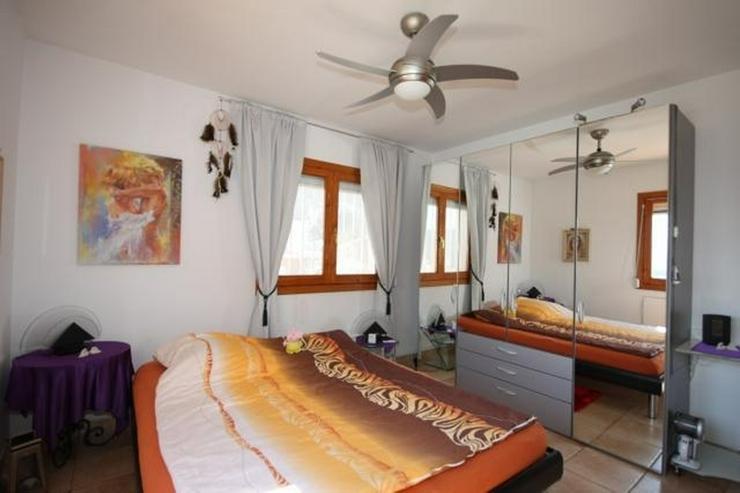 Bild 8: Gepflegte 2 Schlafzimmer Villa mit Pool in herrlicher Aussichtslage in Adsubia