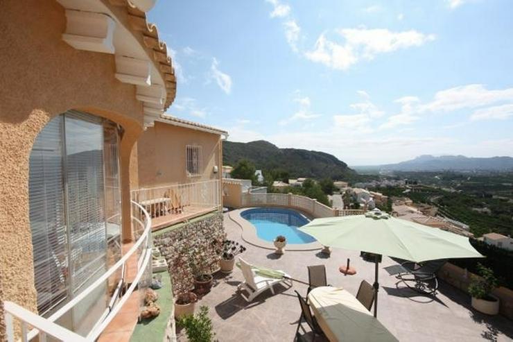 Bild 2: Gepflegte 2 Schlafzimmer Villa mit Pool in herrlicher Aussichtslage in Adsubia