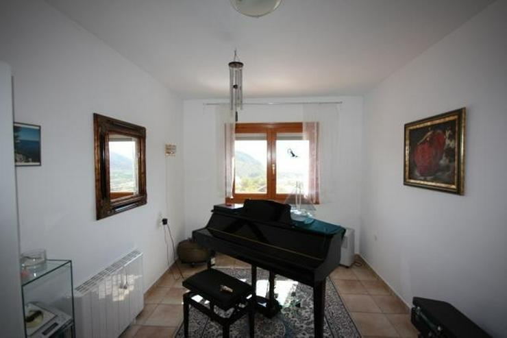 Bild 9: Gepflegte 2 Schlafzimmer Villa mit Pool in herrlicher Aussichtslage in Adsubia