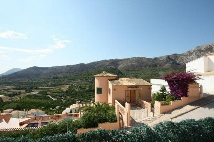 Gepflegte 2 Schlafzimmer Villa mit Pool in herrlicher Aussichtslage in Adsubia - Haus kaufen - Bild 4