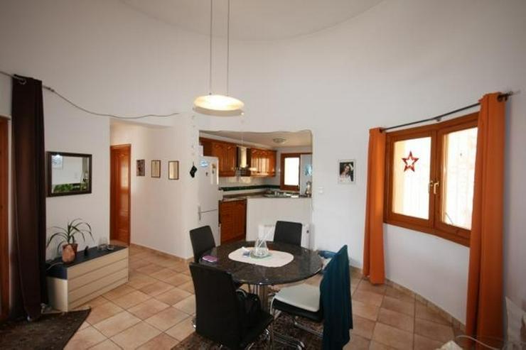 Bild 7: Gepflegte 2 Schlafzimmer Villa mit Pool in herrlicher Aussichtslage in Adsubia