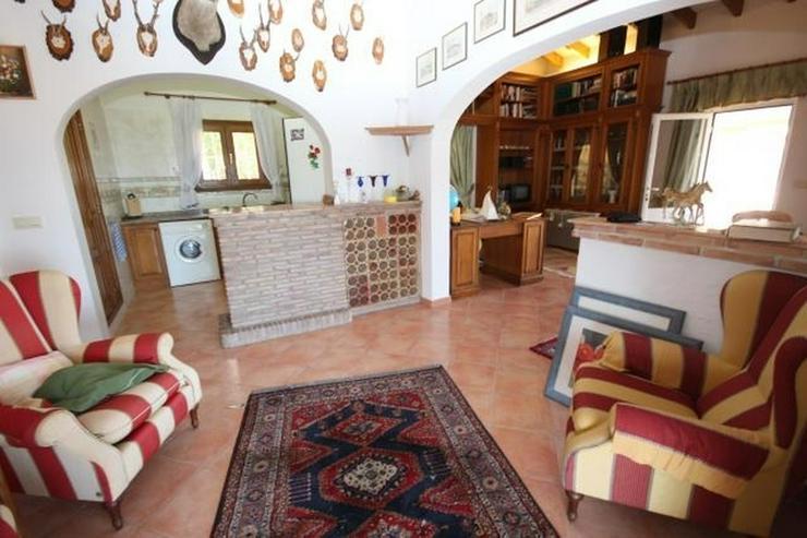 Bild 6: Großzügige Villa am Monte Pego mit Panoramablick auf Meer, Berge und die Reisfelder.