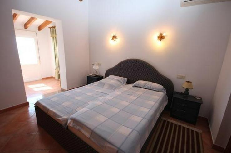 Bild 5: Großzügige Villa am Monte Pego mit Panoramablick auf Meer, Berge und die Reisfelder.