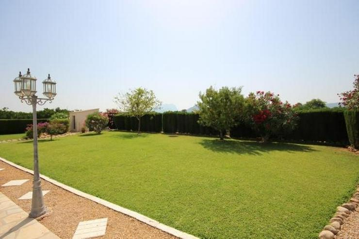 Bild 4: Großes Dorfhaus in guter Lage mit Klimaanlage, Terrassen, schöner Aussicht und Gemeinsch...