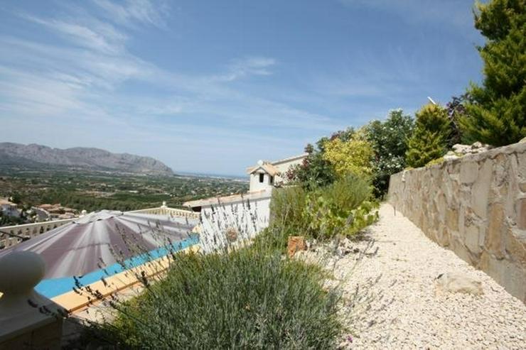 Bild 2: Gepflegte 3 Schlafzimmer Villa mit Pool und herrlicher Fernsicht in Monte Solana / Pedregu...