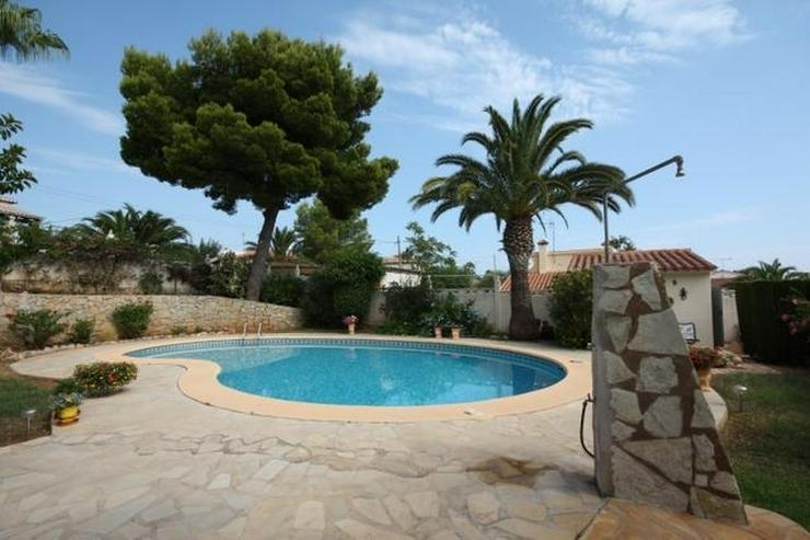 Bild 2: Private 3 Schlafzimmer Villa mit großem Pool, nur 3,5 km vom Stadtzentrum Denia entfernt.