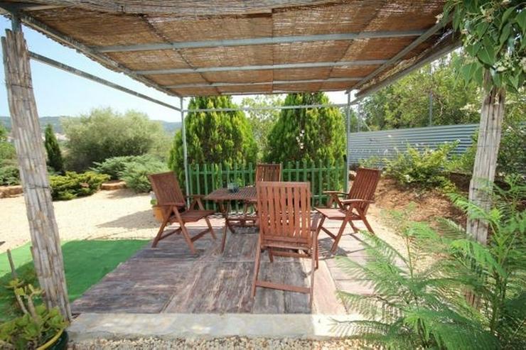 Bild 3: Ländliche Finca, großzügiger Garage oder Atelier und Pool in Benidoleig