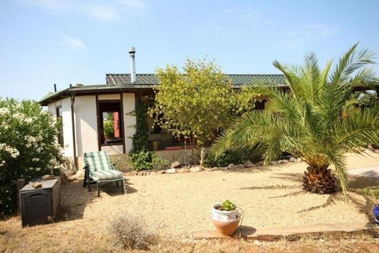 Ländliche Finca, großzügiger Garage oder Atelier und Pool in Benidoleig - Haus kaufen - Bild 1