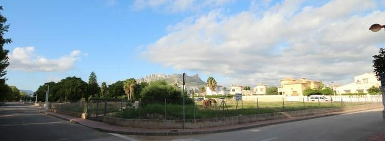 Bild 5: Flaches Land mit Geschäfts- und Hotel Verwendung von 1583m2 in Els Poblets.