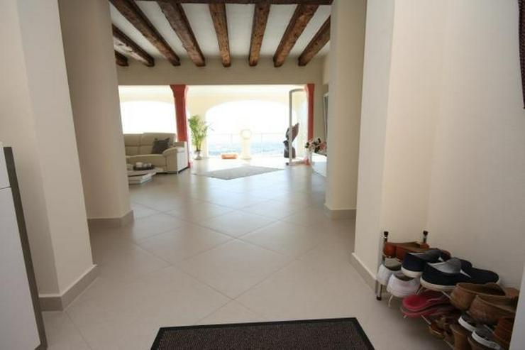 Moderne und lichtdurchflutete 6 Schlafzimmervilla mit Meerblick in Javea - Haus kaufen - Bild 5