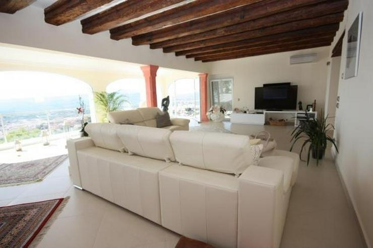Bild 3: Moderne und lichtdurchflutete 6 Schlafzimmervilla mit Meerblick in Javea