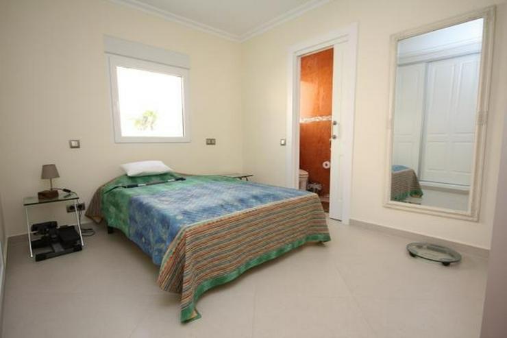 Bild 9: Moderne und lichtdurchflutete 6 Schlafzimmervilla mit Meerblick in Javea