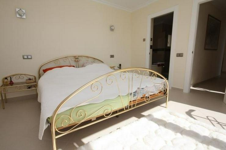 Bild 12: Moderne und lichtdurchflutete 6 Schlafzimmervilla mit Meerblick in Javea