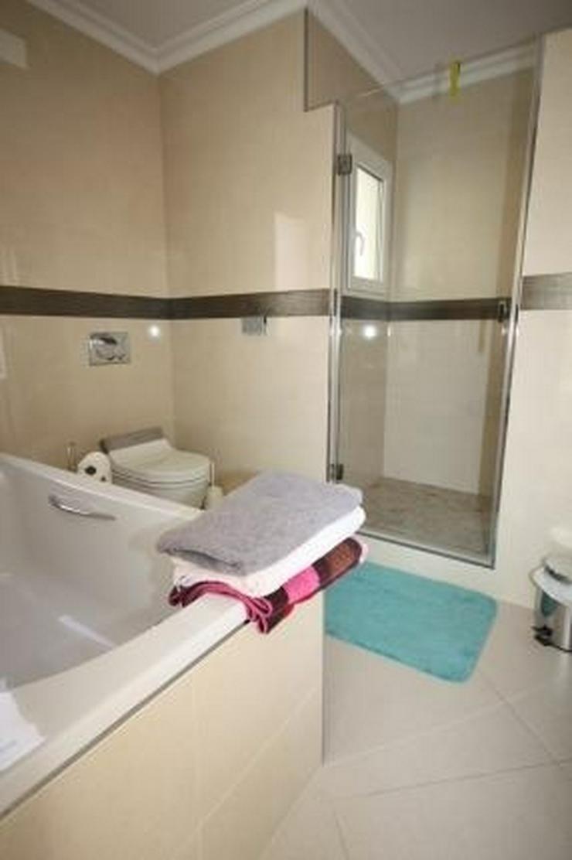 Bild 14: Moderne und lichtdurchflutete 6 Schlafzimmervilla mit Meerblick in Javea