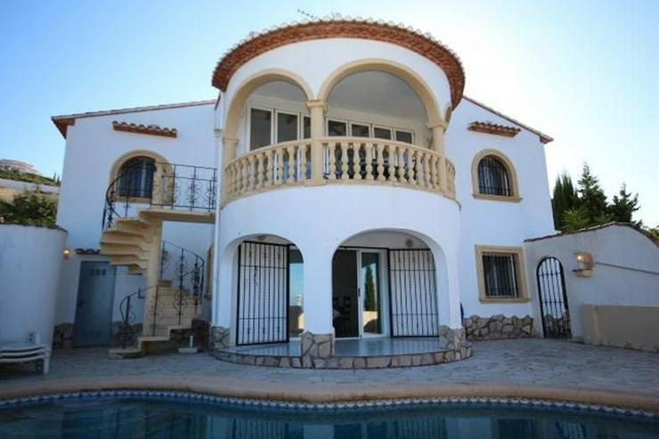 Wunderschöne Villa mit atemberaubendem Meerblick, 4 Schlafzimmern, 3 Bädern und einem be... - Haus kaufen - Bild 1