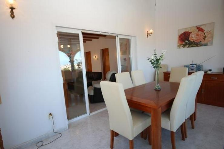 Bild 6: Wunderschöne Villa mit atemberaubendem Meerblick, 4 Schlafzimmern, 3 Bädern und einem be...