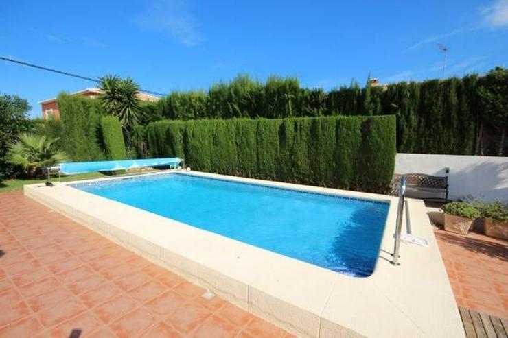 Bild 2: Stadtnahe, sonnige Villa, beheizb. Pool, Fussbodenheizung, Klimaanlagen, Kamin, Sauna, Au?...