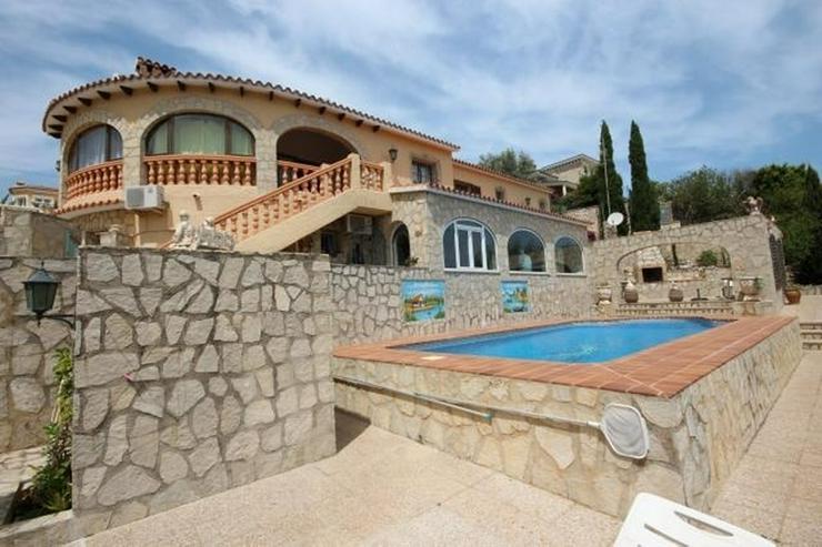Großzügige und rustikale Villa unweit vom Stadtzentrum mit 3 Wohneinheiten auf ca. 265 q... - Haus kaufen - Bild 1