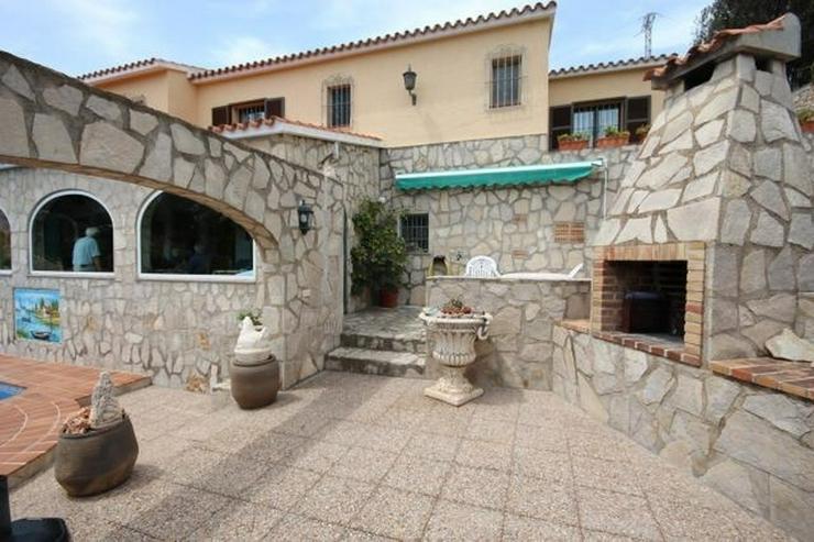 Bild 3: Großzügige und rustikale Villa unweit vom Stadtzentrum mit 3 Wohneinheiten auf ca. 265 q...