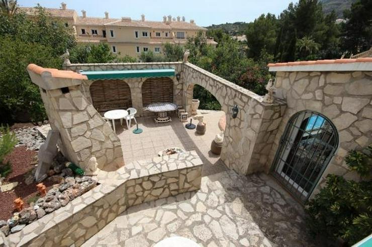 Bild 4: Großzügige und rustikale Villa unweit vom Stadtzentrum mit 3 Wohneinheiten auf ca. 265 q...