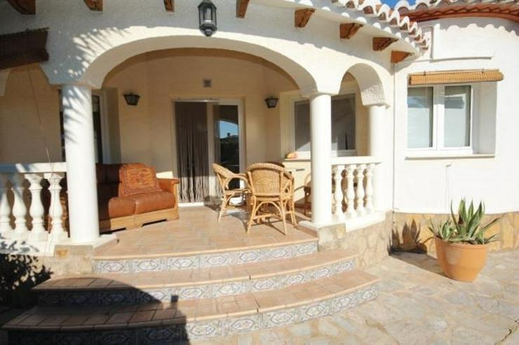 Bild 2: Charmante Villa mit 3 Schlafzimmern, 2 großen Bädern, Pergola, Pool und Holzhaus in Els ...