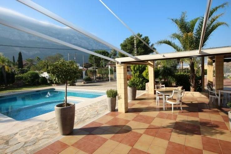 Bild 3: Beliebtes Speiselokal mit 2 Wohnungen, Wintergarten, BBQ, Pool, Tennisplatz, Kinderspielpl...