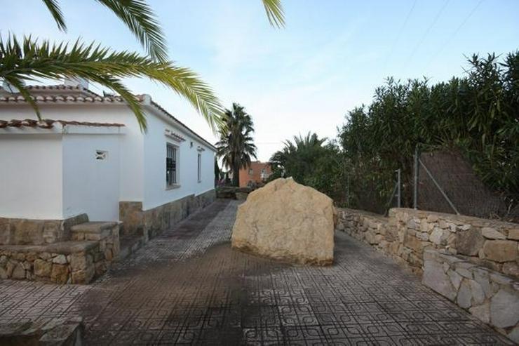Bild 6: Stadtnahe 2 Schlafzimmer Villa mit Pool und Garage in ruhiger Wohnlage nahe Denia.