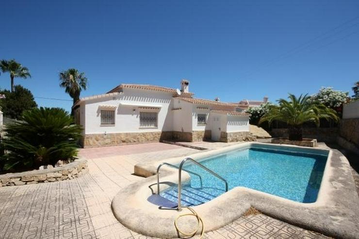 Stadtnahe 2 Schlafzimmer Villa mit Pool und Garage in ruhiger Wohnlage nahe Denia. - Haus kaufen - Bild 1
