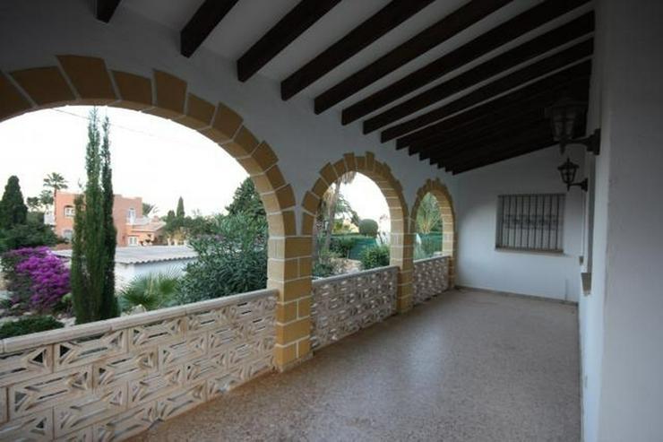 Bild 5: Stadtnahe 2 Schlafzimmer Villa mit Pool und Garage in ruhiger Wohnlage nahe Denia.