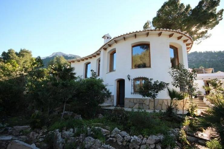 Luxus-Villa für Liebhaber von Holz und Tischlereiarbeiten mit Pool, 4 Schlafzimmer, Zentr... - Haus kaufen - Bild 1