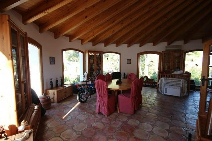 Bild 6: Luxus-Villa für Liebhaber von Holz und Tischlereiarbeiten mit Pool, 4 Schlafzimmer, Zentr...