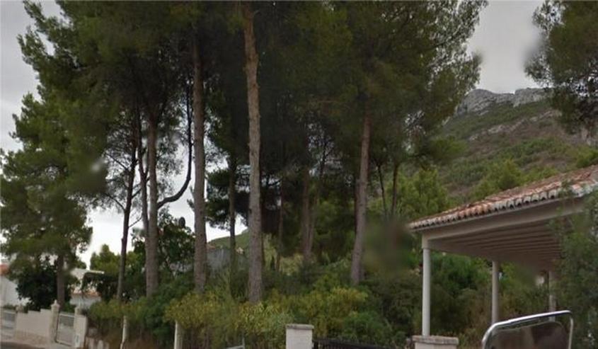 Bild 2: Grundstück mit Meer- und Bergblick , 800m2 bebaubar mit bestehendem Carport von 35m2