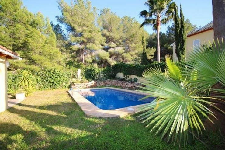 Bild 2: Gepflegte Villa mit Pool, großzügig und modern, Zentralheizung, BBQ, Carport, alles auf ...